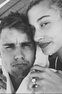 17. August 2019  Die gemeinsamen Ferien sindvorbei, und Justin Biebers Gesichtsausdruck verrät, was er davon hält. Wir sind uns aber sicher, dass die beiden jede Menge Spaß imUrlaub hatten.