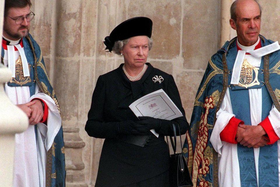 Queen Elizabeth am Tag der Trauerfeier für Prinzessin Diana.