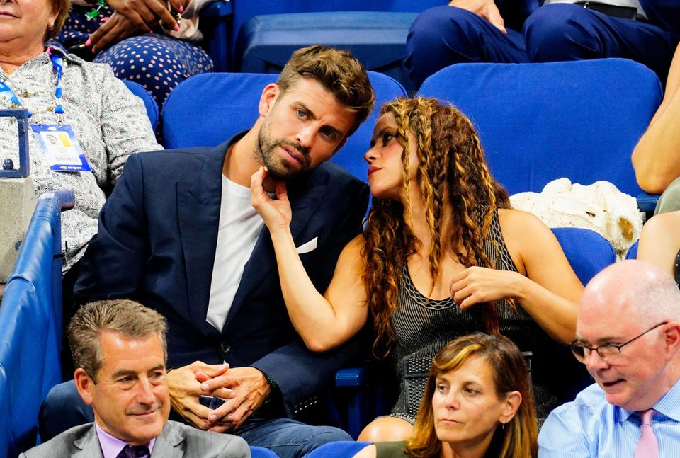 Turteltauben Gerard Piqué und Shakira zeigen sich kuschelig beim US Open Viertelfinale zwischen Rafael Nadal und Diego Schwartzman.