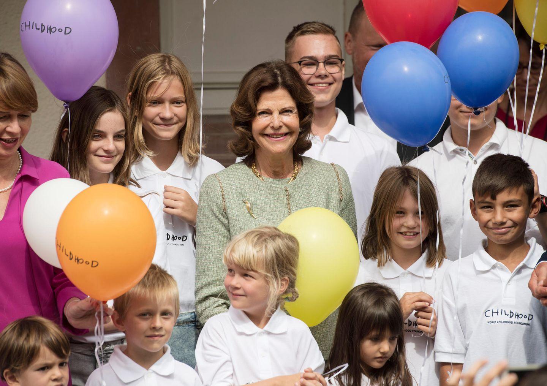 """5. September 2019  Zur Eröffnung des zweiten Childhood-Hauses in Deutschlanderscheint Ehrengast Königin Silvia von Schweden in Heidelberg. Das Projekt wird von der """"World Childhood Foundation"""" gefördert, die Königin Silvia 1999zum Schutz misshandelter Kinder ins Leben gerufen hat."""