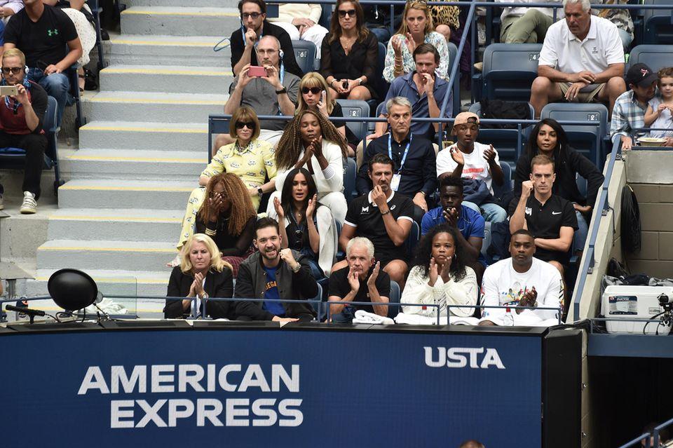 Die Box von Finalistin Serena Williams. Hier nehmen neben Herzogin Meghan auch Vogue-Chefin Anna Wintour und Serenas Familie Platz.