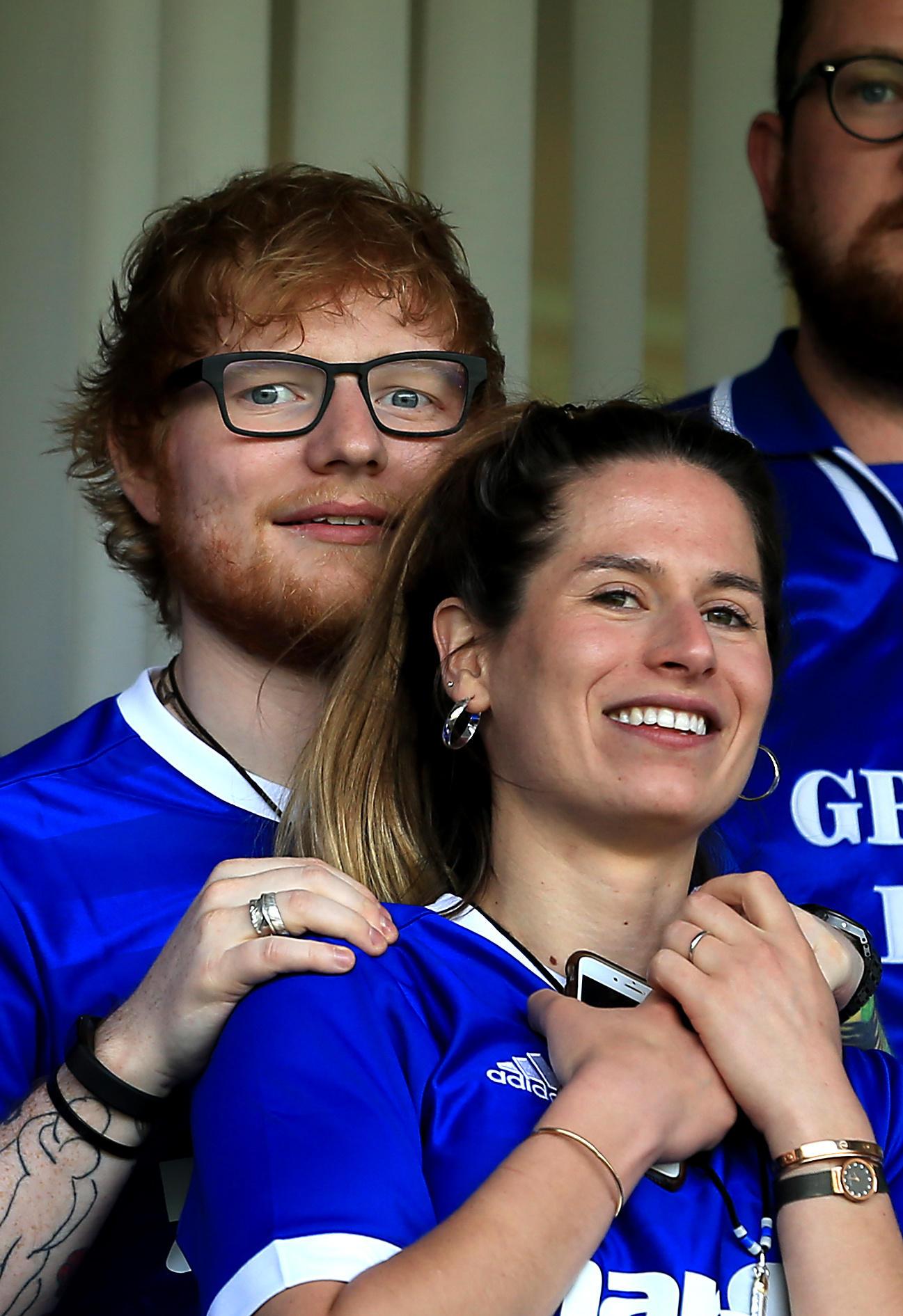 Sänger Ed Sheeran und seine Frau Cherry haben im Dezember heimlich geheiratet. Jetzt sollen sie nochmal eine große Hochzeitssause veranstaltet haben