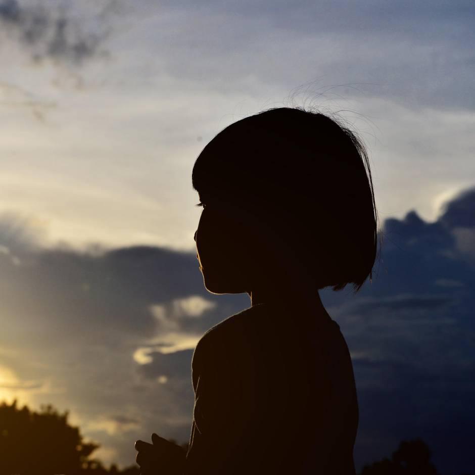 Mädchen bekommt Brief von ihrem toten Vater – jetzt sucht sie nach dem Absender