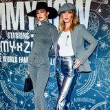 Die wohl coolsten Schwestern im Business: Gigi und Bella Hadid posieren vor der Show von Tommy Hilfiger und Zendaya.