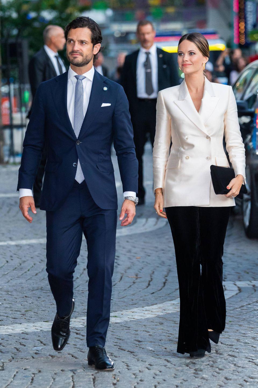 Prinz Carl Philip und Prinzessin Sofia haben sich in Schale geworfen.