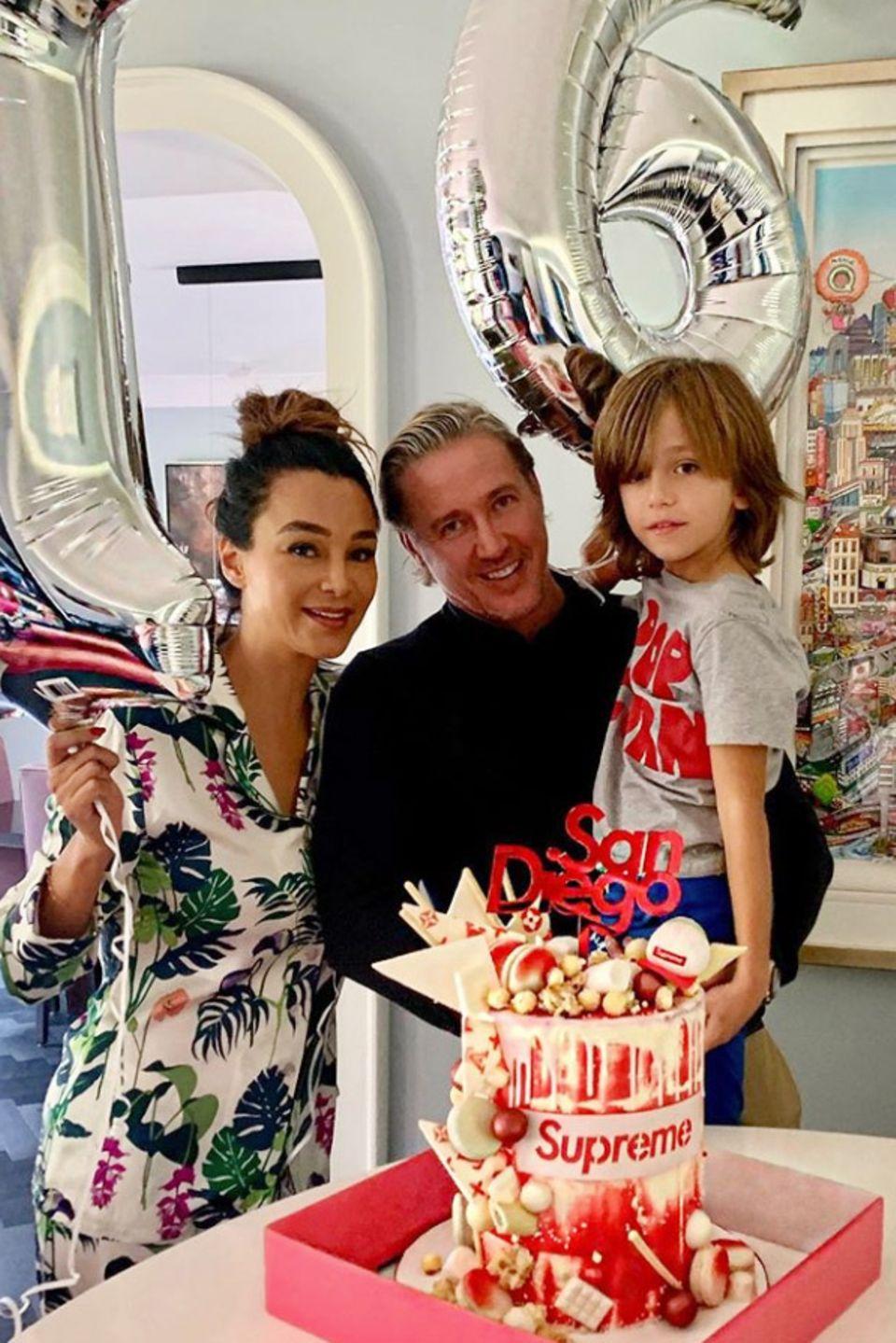 10. September 2019  Gleich gibt's eine Überraschung im Hause Pooth! Zum 16. Geburtstag von Sohn San Diego haben Verona, Franjo und Roccoeine tolle Geburtstagsparty vorbereitet.