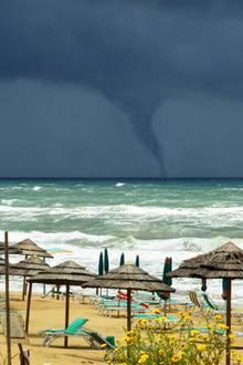 Tornado im Meer
