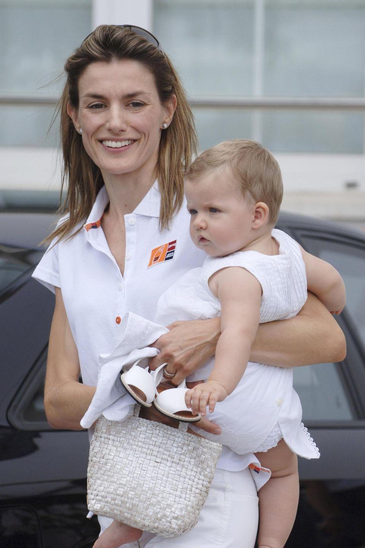 August 2006  Beinahe ungeschminkt zeigt sich Letizia nach der Geburt ihrer Tochter Leonor im August 2004.