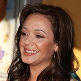 Vor 10 Jahren sah das sympathischeLächeln der Schauspielerin, Autorin und Scientology-Kritikerin Leah Remini noch richtig natürlich aus.