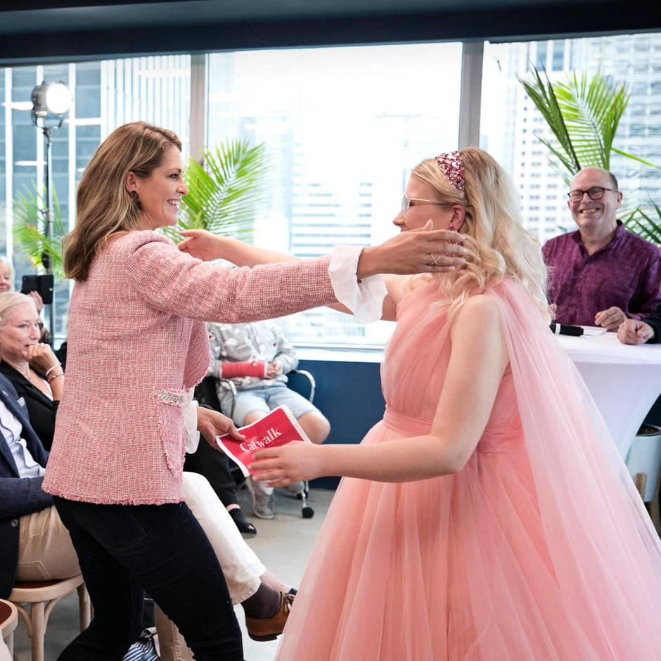 Öffentliche Tränen beim Treffen mit Emma Örtlund