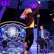 """""""Wer wird Millionär"""": Kandidatin Nele Pöllmitz zeigt, wie Poledance funktioniert"""
