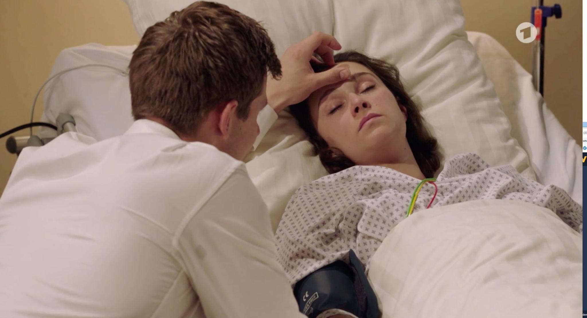 """Naht der nächste """"Sturm der Liebe""""-Tod? Romy braucht ein neues Herz, wie sie von ihrem Ehemann Paul erfährt."""