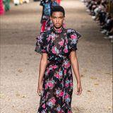 Insbesondere Blumenkleider wie dieses Exemplar, dürfte mit Sicherheit recht schnell in Kates Kleiderschrank einziehen.