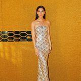 Weniger opulent, dafür aber mindestens genauso so stylisch zeigt sich Topmodel Lily Aldridge im enganliegendem Kleid mit Meerjungfrauen-Muster des Designers Oscar de la Renta auf dem roten Teppich.
