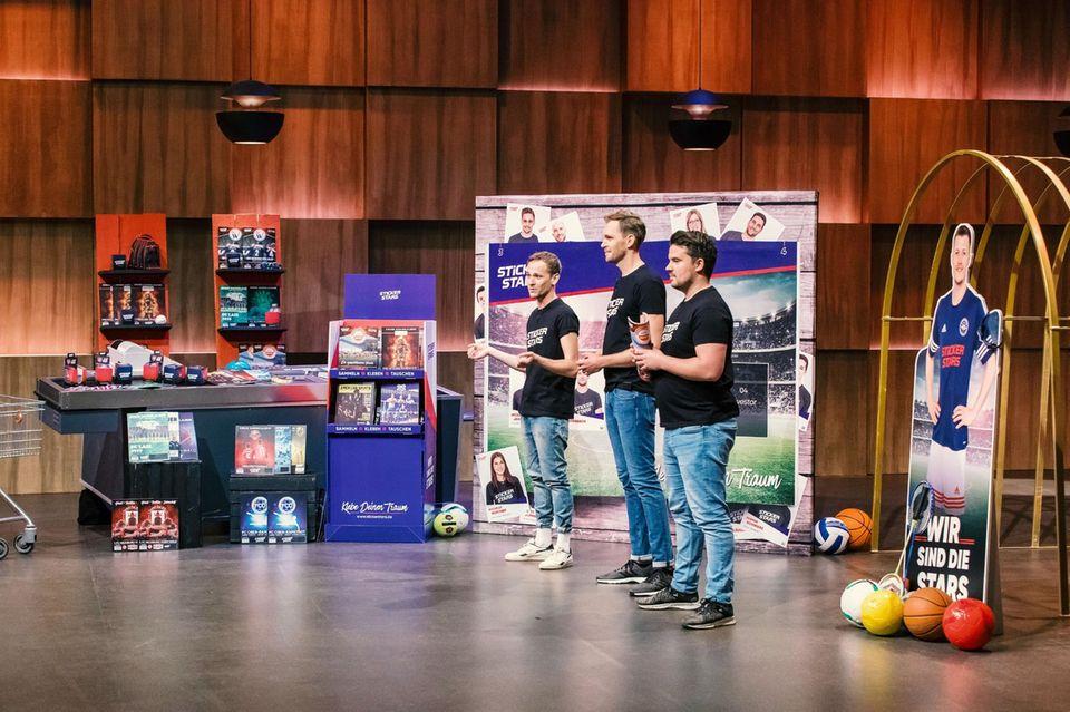 Mirko Lauterbach, Michael Janek undFabi Bönsch wollen mit Stickern für den Amateur-Sport ein dickes Geschäft machen.