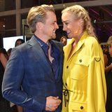 Sarah Connor kommt in Begleitung ihres Mannes Florian Fischer. Total verliebt und strahlend zeigen sich die beiden kurz vor ihrer Performance.