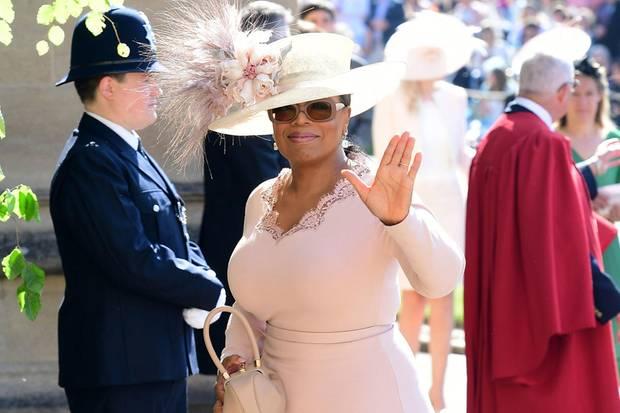 Die US-TV-Moderatorin und Produzentin Oprah Winfrey ist mit Prinz Harry und Herzogin Meghan befreundet und besuchte ihre Hochzeit im Mai 2018.