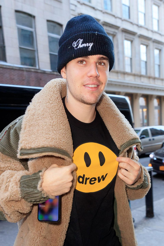 Größer und berühmter ist Megastar Justin Bieber heute zwar, sein jungenhaftes Äußeres bleibt ihm aber wohl auf Ewigkeiterhalten.