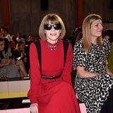 Vogue-ChefinAnna Wintour bleibt auch während des Fashion-Week-Marathons gut gelaunt.