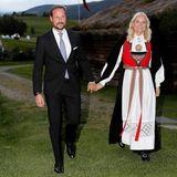 Am Abend ist das norwegische Kronprinzenpaar zum Empfang auf der Farm Gammel Kleppe geladen.