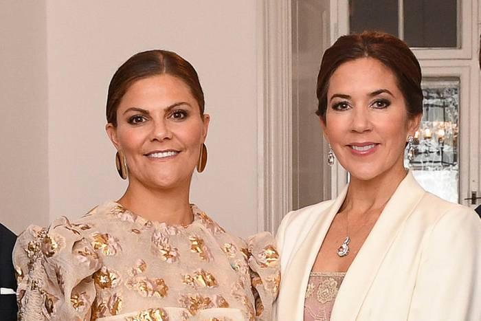 Victoria von Schweden und Mary von Dänemark.