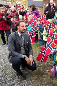 19. September 2019  Besuch in der Provinz: Wie jedes Jahr wird der Kronprinz von vielen kleinen Oppländern gebührend empfangen.
