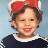 Ashley Graham  Ahoi! Ashley Graham strahltim Matrosen-Look. Na, wer würde bei diesem Lächeln nicht gleich mit in See stechen wollen...
