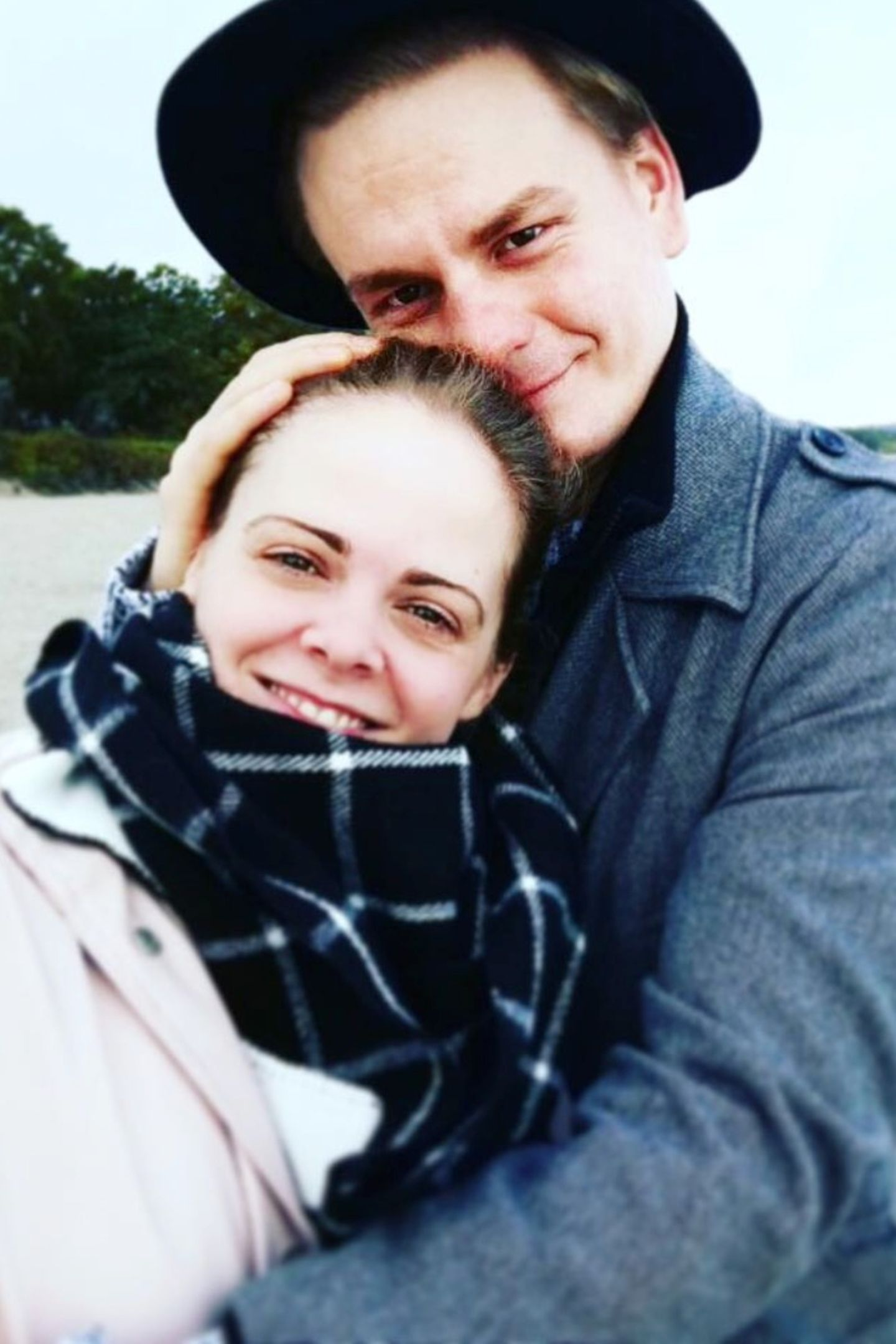 """Jennifer Siemann alias """"Lucy Ehrlinger""""  Die 32-Jährige ist glücklich mit Karsten Jaskiewicz. Zu diesem Foto schrieb der Schauspieler: """"Jeder Tag mit dir ist ein Geschenk."""""""