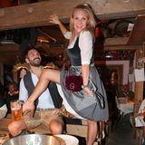 Ausgelassene Stimmung herrscht beiMagdalena Brzeska und ihrem Partner Roland Klein.