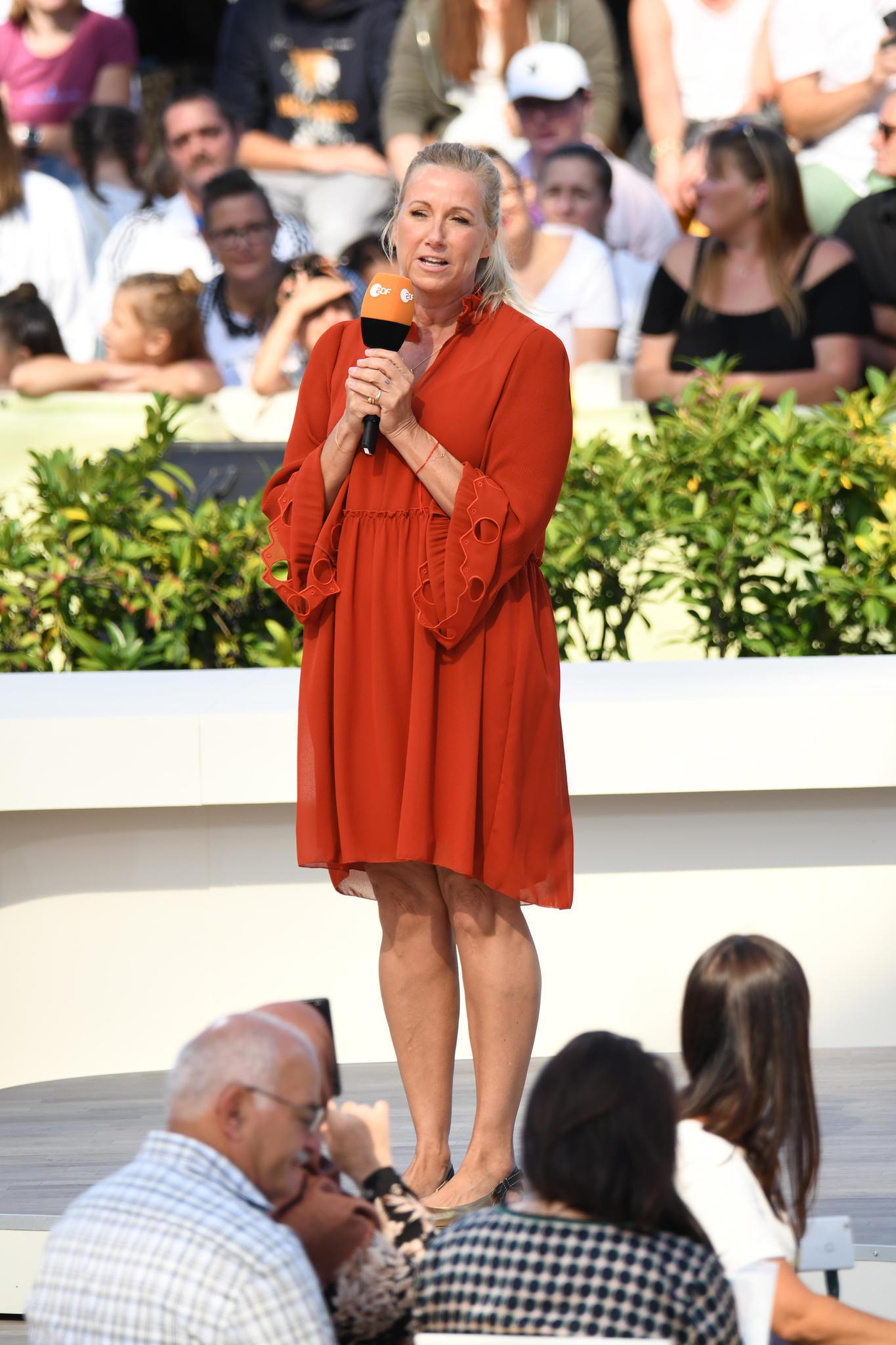 """Andrea Kiewel im ZDF-""""Fernsehgarten"""""""