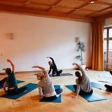Excellence Club 2019: Etwas ruhiger und entspannter geht es für die Teilnehmer beim Early-Morning-Yoga zu.