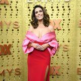 Mit Rot und Pink voll im Trend: Mandy Moore in Brandon Maxwell