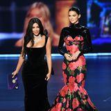 Schwestern-Style: Kim Kardashian inVivienne Westwood und Kendall Jenner inRichard Quinn