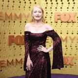 Glamour-Queen in Weinrot: Patricia Clarkson in Christian Siriano