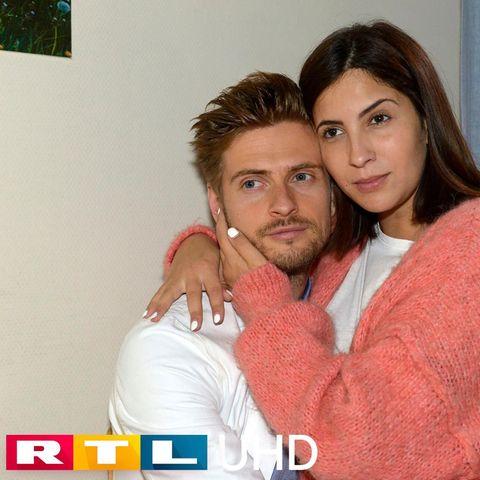 Philip (Jörn Schlönvoigt) und Laura (Chryssanthi Kavazi)