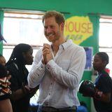 Prinz Harry + Herzogin Meghan: Prinz Harry strahlt bei seinem Besuch in Südafrika über das ganze Gesicht. Seit seiner Jugend hat der Ehemann von Herzogin Meghan ein besonderes Verhältnis zum afrikanischen Kontinent. Kein Wunder, dass er sich schon an Tag eins der Reise in bester Laune präsentiert.