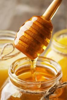Honig wirkt bei der Hautpflege wahre Wunder.