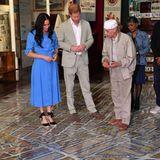 Prinz Harry + Herzogin Meghan: Bevor es zu einem gemeinsamen Kochevent - dem letzten Programmpunkt für den ersten Tag - geht, bekommen Herzogin Meghan und Prinz Harry zunächst eine Führung durch das Museum District Six.