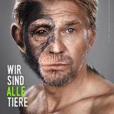 """Schauspieler Kai Wiesinger engagiert sich für den Schutz von Menschenaffen. Mit diesem beeindruckenden """"Halb Mensch, halb Schimpanse""""-Motiv fordert er ihre Freilassung aus Zoos."""