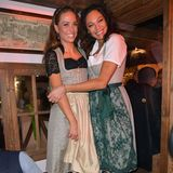 Auch Franca Lehfeldt und Lilly Becker lassen sich das Oktoberfest-Spektakel nicht entgehen.