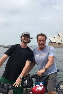 Mit herzlichen Worten zum Geburtstag seines Sohnes Patrick postet Arnold Schwarzenegger ein Erinnerungsfoto von der gemeinsamen Radtour durch Sydney.