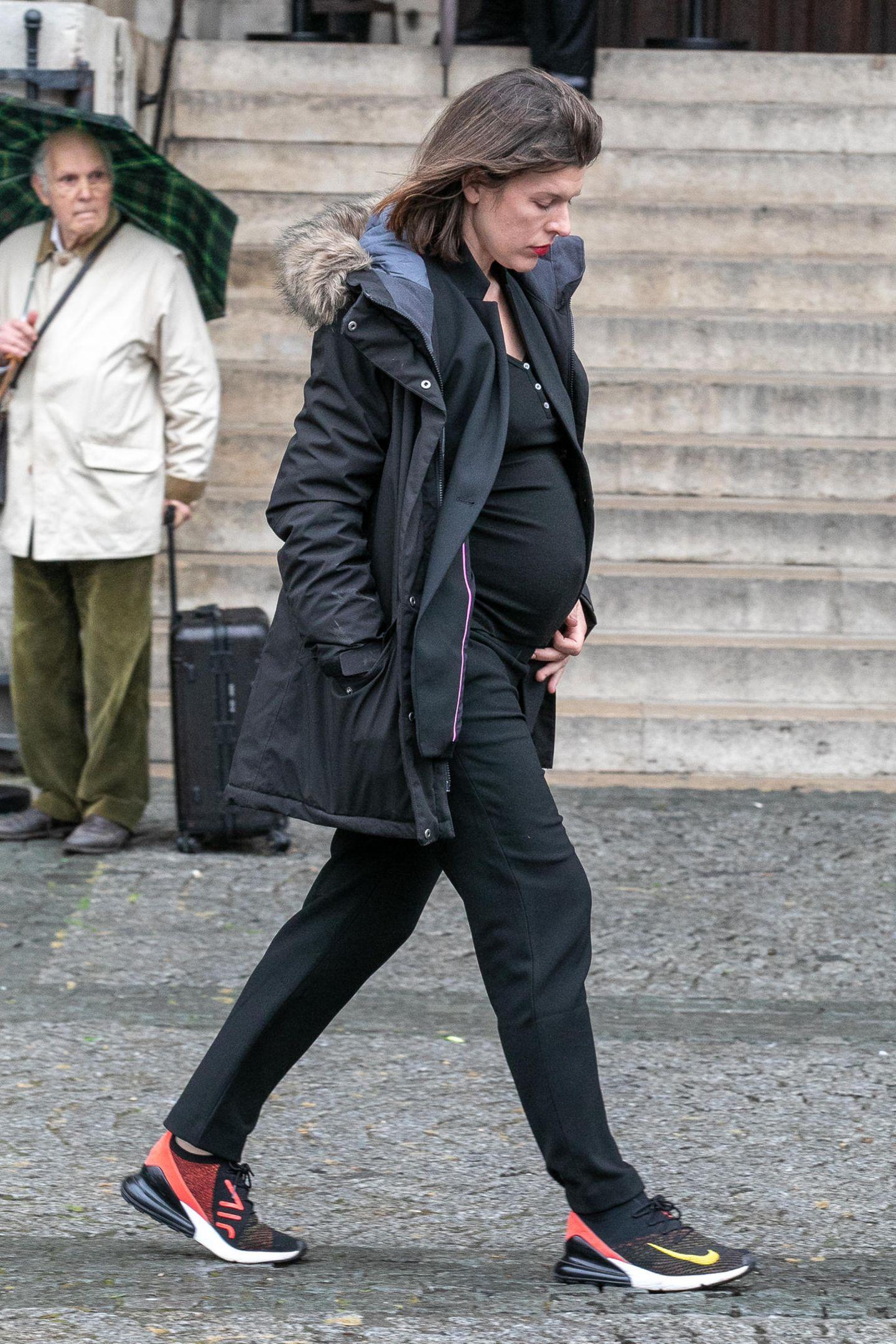 Milla Jovovich ist zurzeit mit ihrem dritten Kind schwanger.