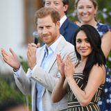 Prinz Harry + Herzogin Meghan: Tag 2 Zum Abschluss des zweiten Tages sind Harry und Meghan zum Empfang in der Residenz des British High Commissioners in Kapstadt geladen.