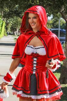 Halloween-Kostüm-Idee Alessandra Ambrosio, Rotkäppchen
