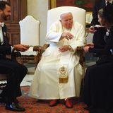 Erste offizielle Tour im Namen der Liebe: Vier Wochen nach ihrer Hochzeit reisen König Felipe und Königin Letizia im Juni 2004 nach Rom, um sich von Papst Johannes Paul II. den Segen für ihre Ehe geben zu lassen.