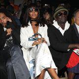 Auch Naomi Campbell ist in Paris um sich die Off-White-Show anzugucken.
