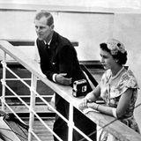 1953 unternehmen Queen Elizabeth und Prinz Philip eine ausgedehnte Tour zu den Commonwealth-Staaten. Ganze sechs Monate dauert die Reise in zwölf Länder.