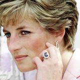 Der Ring wird vom damaligen Kronjuwelier Garrd & Co.kreiert und hatte damals einen Wert von rund 30.000 Euro.