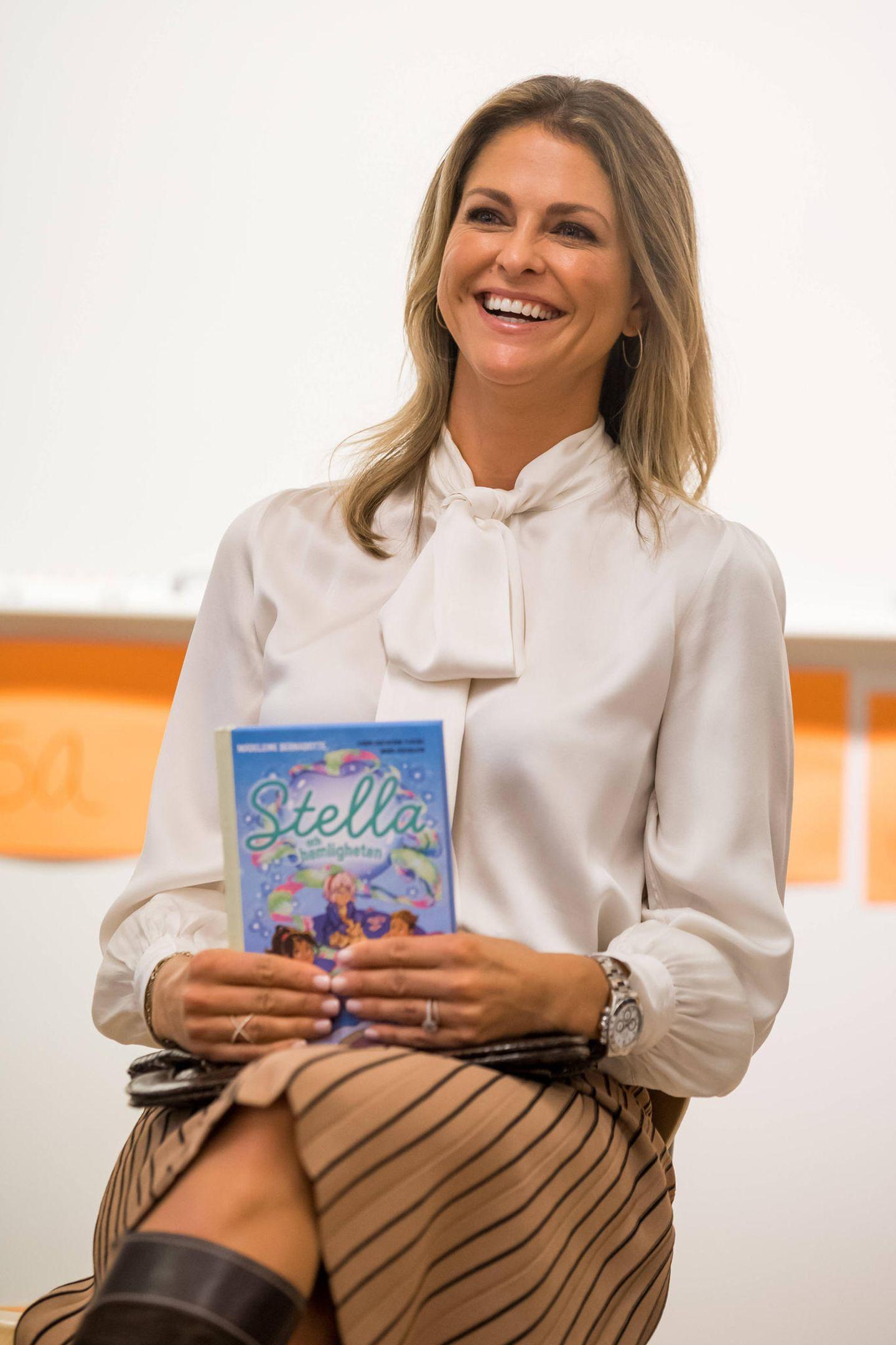 """27. September 2019  Prinzessin Madeleine ist für einen Blitzbesuch in ihre Heimat Schweden gereist und stellt dort ihr Buch """"Stella und das Geheimnis"""" vor."""