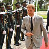 Prinz Harry + Herzogin Meghan: Tag 6 Prinz Harry ist auf seinem Weg zu Angolas Präsident João Lourenço in der Hauptstadt Luanda.
